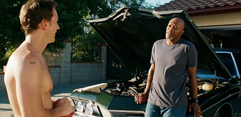 Lakeview terrace trailer with sam jackson for Movie schedule terraces