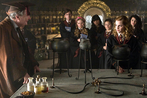 http://www.firstshowing.net/img/halfblood-prince-usatoday-03.jpg