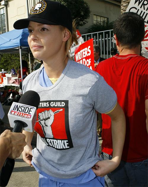 Katherine Heigl's Writers Strike Shirt