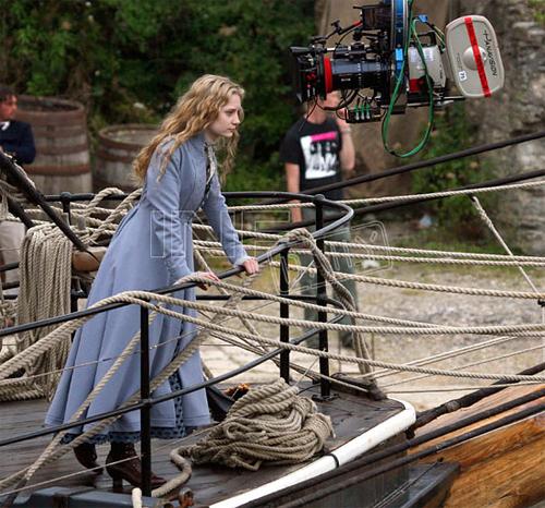 Mia Wasikowska in Tim Burton's Alice in Wonderland