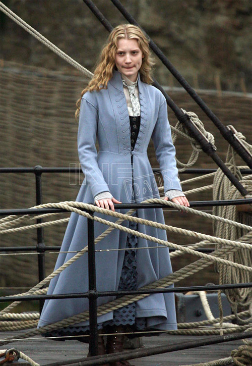 Mia Wasikowska in Tim Burton's Alice in Wonderland
